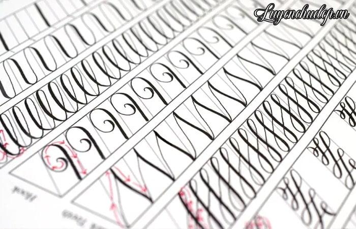 Bài luyện lia bút quản, bút chấm mực Caligraphy