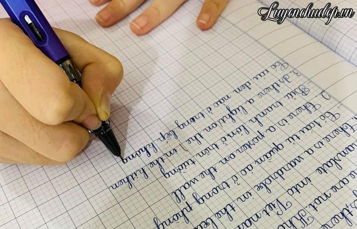 Luyện chữ đẹp cho bé phải kiên trì